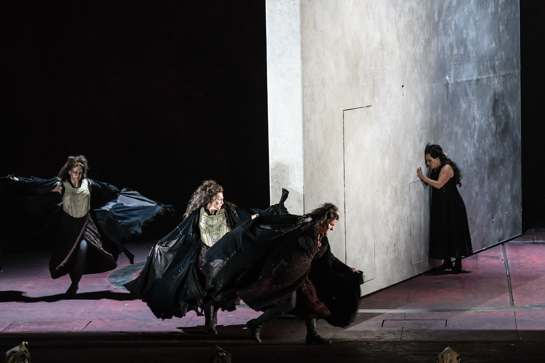 Valkyries and John Lundgren as Wotan at The Royal Opera