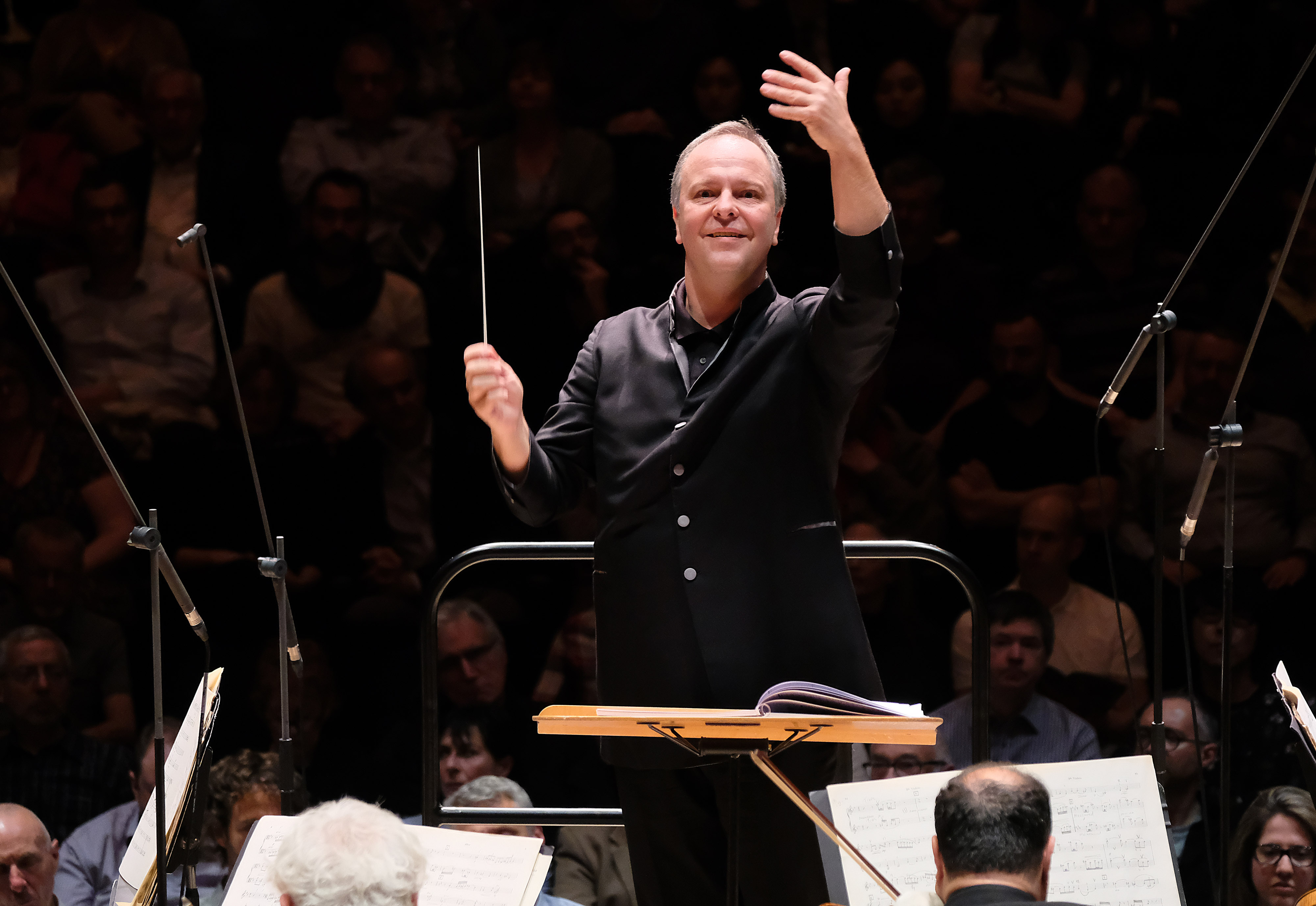 Sakari Oramo directs the BBCSO at the Barbican