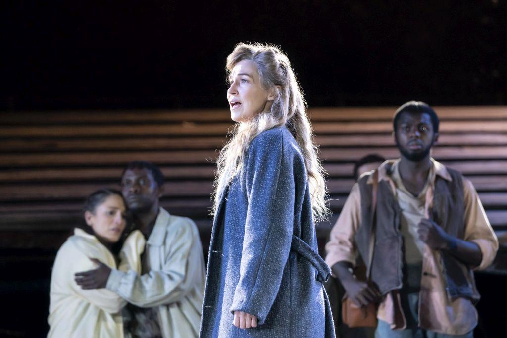 Joanna Riding as Nettie in 'Carousel'