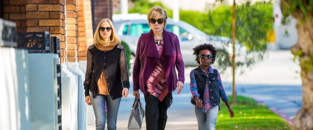 Amanda Seyfriend, Shirley MacLaine, and Ann'Jewel Lee in 'The Last Word'