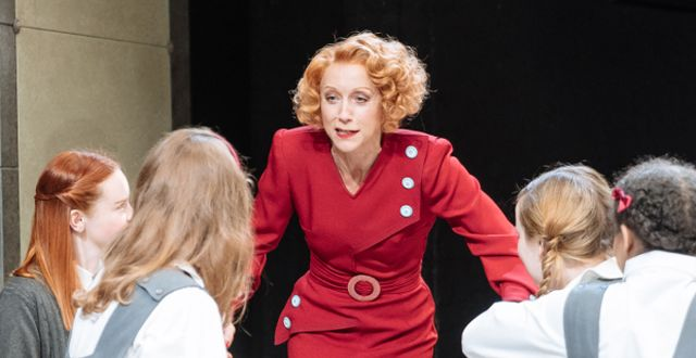 Lia Williams as Jean Brodie