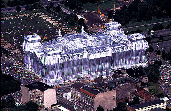 Christo and Jeanne-Claude, Wrapped Reichstag, 1995