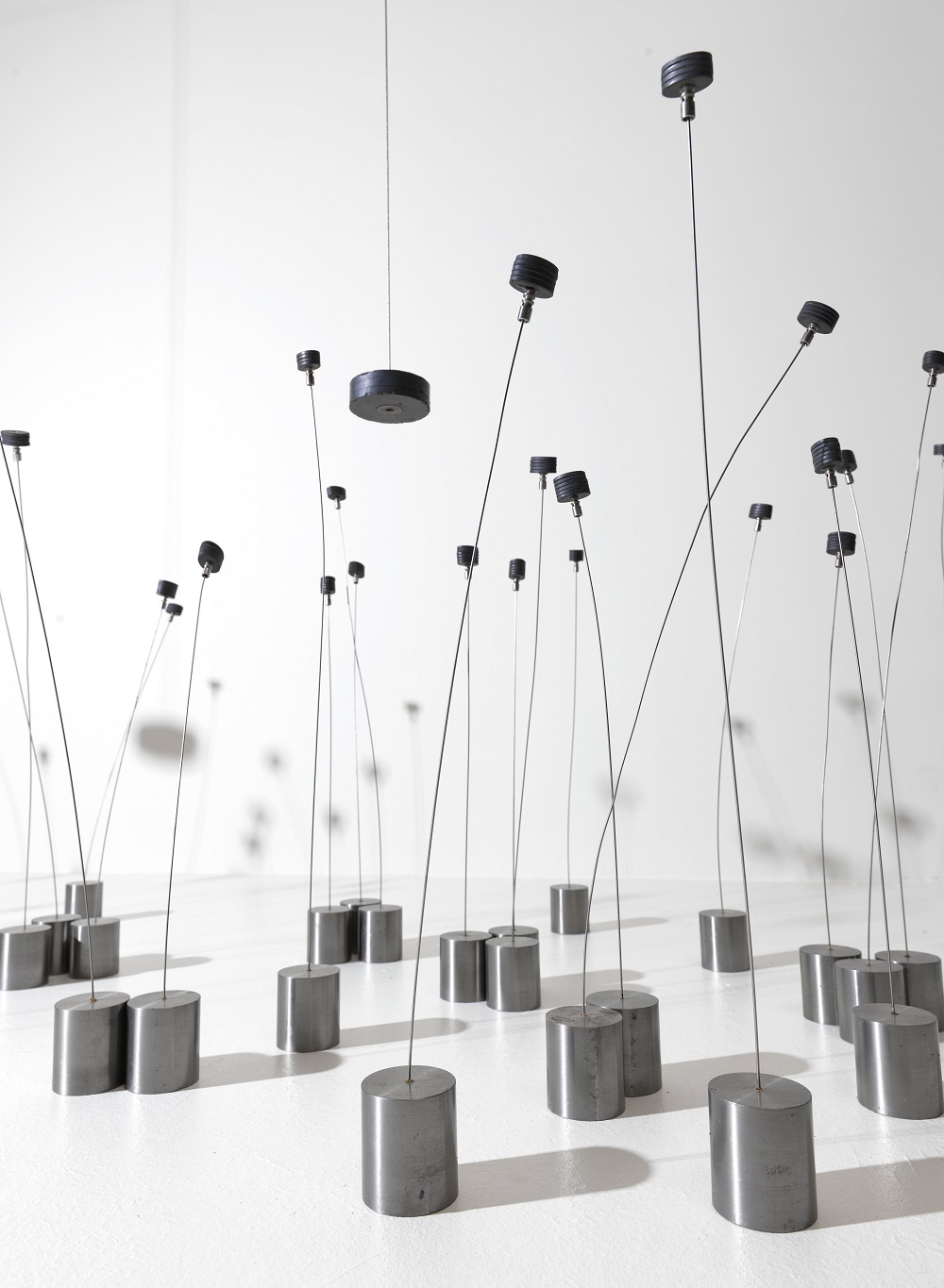 'Magnetic Fields'(detail), 1969, Metal, magnets, wire, 63.5 × 426.7 × 91.4cm, Solomon R. Guggenheim Museum, New York.Partial gift, Robert Spitzer, by exchange, 1970© ADAGP, Paris and DACS, London 2019 Photo: Solomon R. Guggenheim Museum, New York