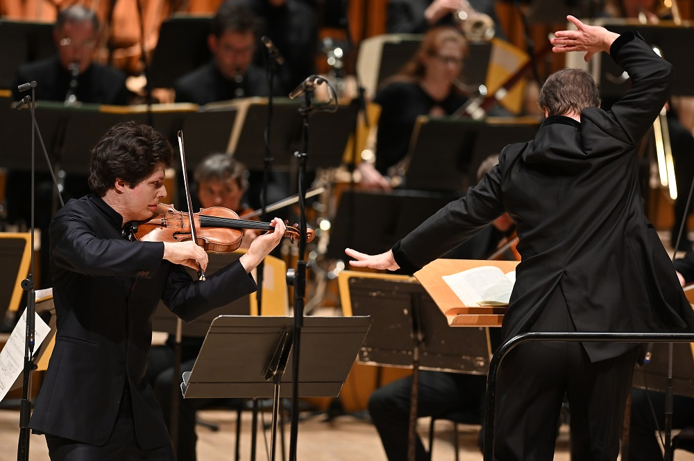 Hadelich and BBCSO/Oramo in Ligeti's Violin Concerto