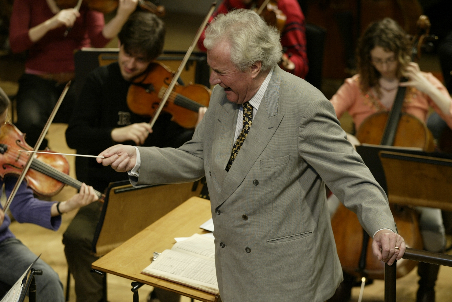 Sir Colin Davis conducting the European Union Youth Orchestra in 2005