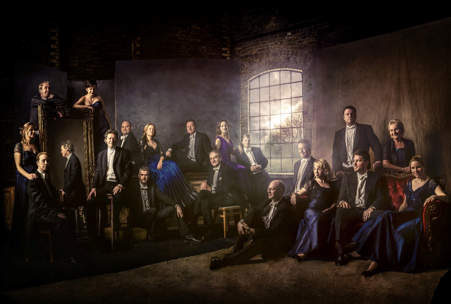 The Sixteen pictured by