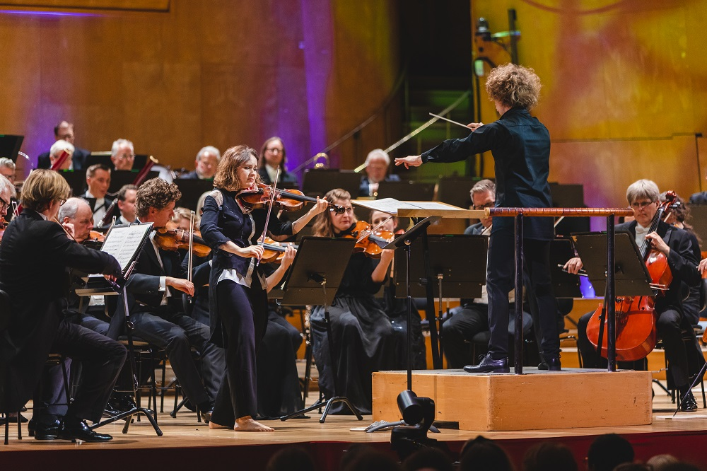 Kopatchinskaja, Rouvali and the Gothenburg Symphoy Orchestra in Bartok