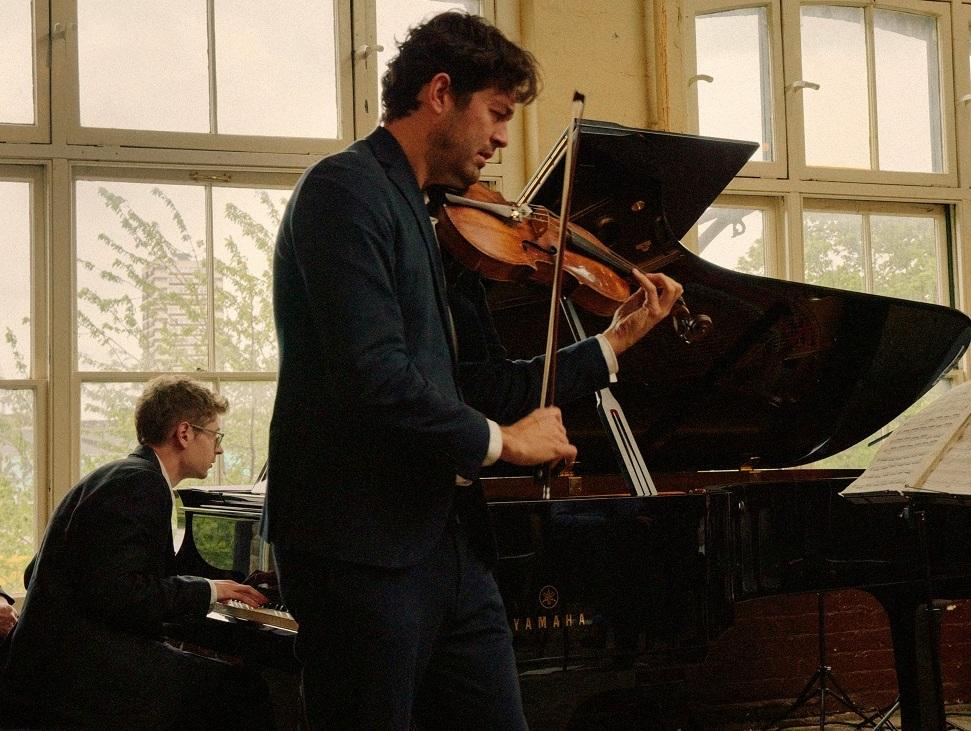 Pavel Kolesnikov and Lawrence Power play Britten's 'Lachrymae'