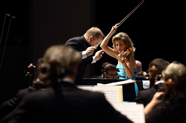 Anne Sophie Mutter plays Penderecki