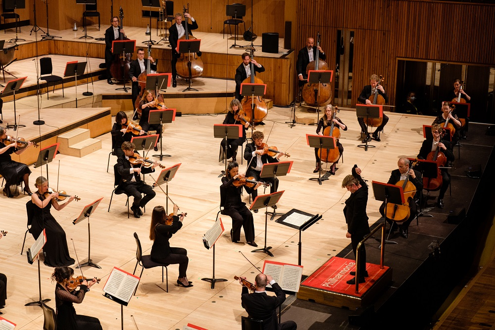 Philharmonia/Saloneon in Beethoven's First Symphony