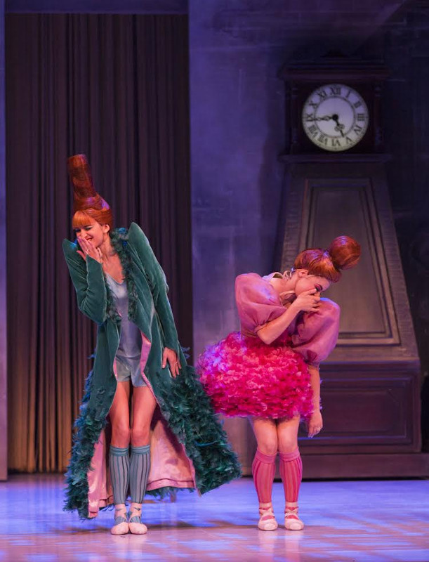 ngrid Gow and Eloise Fryer of Australian Ballet as Stepsisters in Ratmansky's Cinderella
