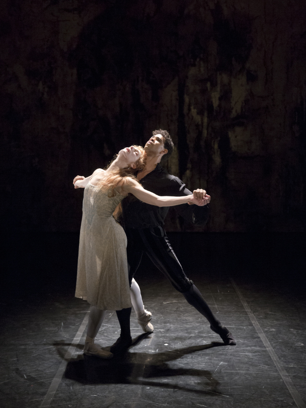 Zenaida Yanowksy and Carlos Acosta in Will Tuckett and Alasdair Middleton's Elizabeth for the Royal Ballet