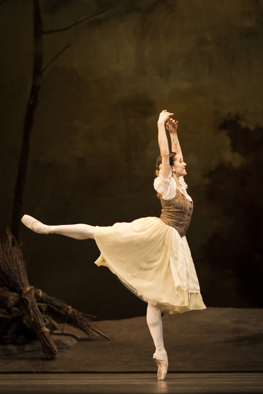 Marinela Nuñez as Giselle, Royal Ballet. Photo by Helen Maybanks.