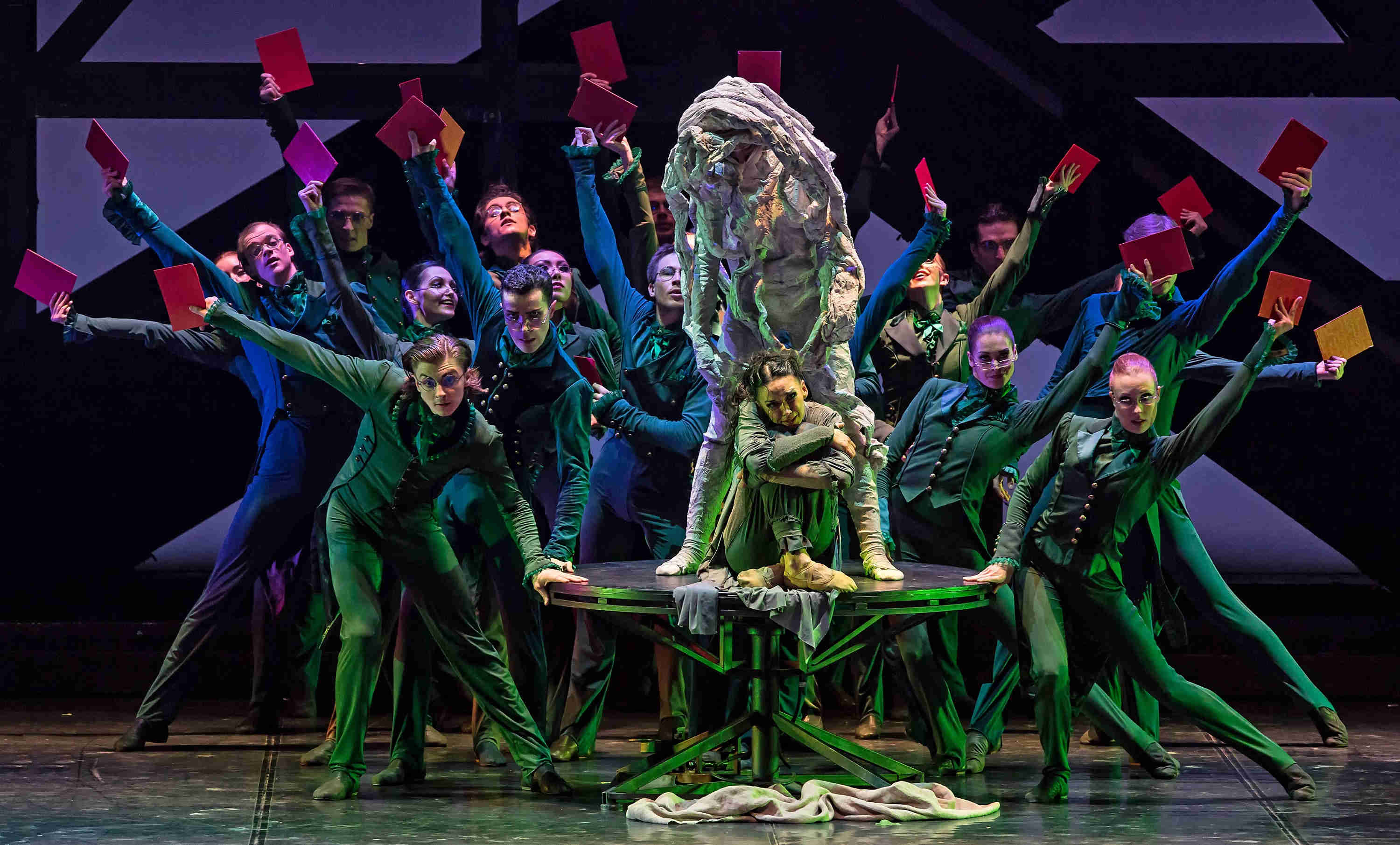 The corps de ballet as art critics in Eifman Ballet's 'Rodin'