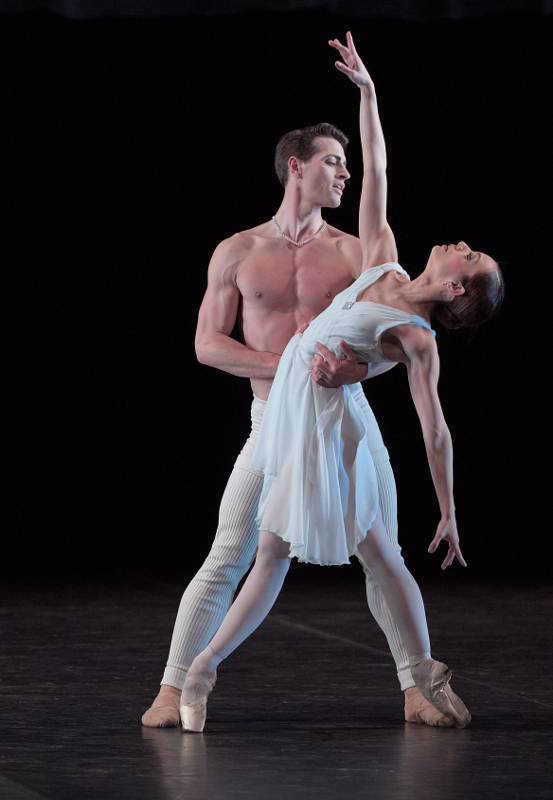 Fernanda Oliveira and James Forbat in Hans van Manen's Adagio Hammerklavier. Photo by Laurent Liotardo.