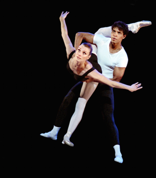 Zenaida Yanowsky and Carlos Acosta in the 'Agon' pas de deux