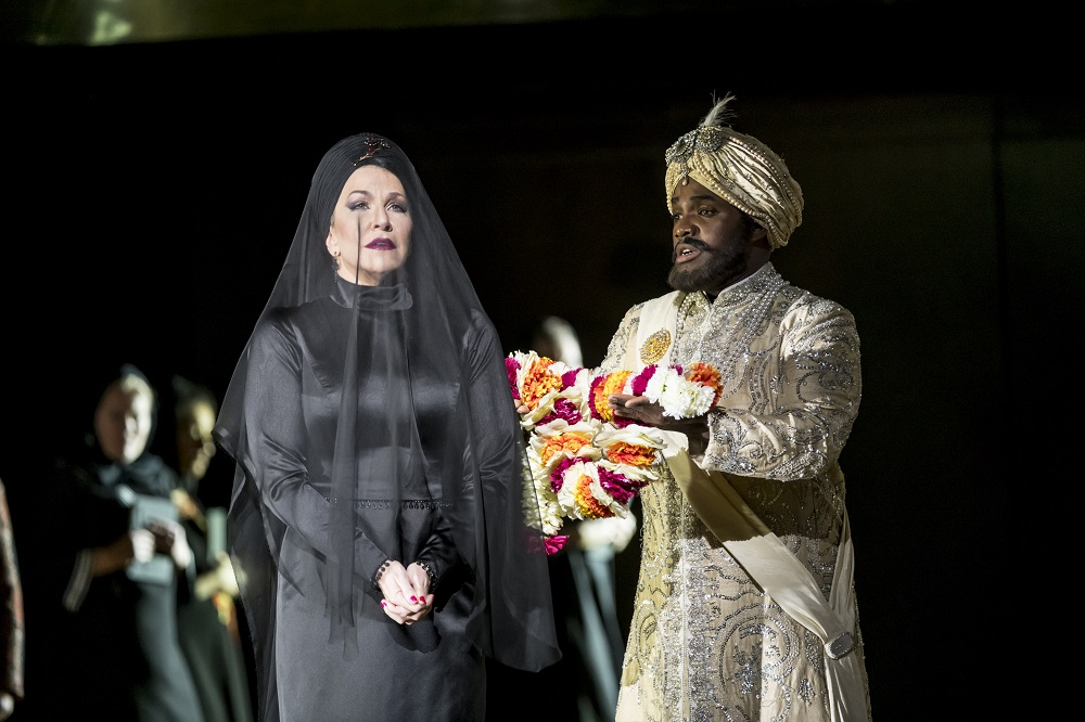 Lawrence Brownless as Idreno in Semiramide