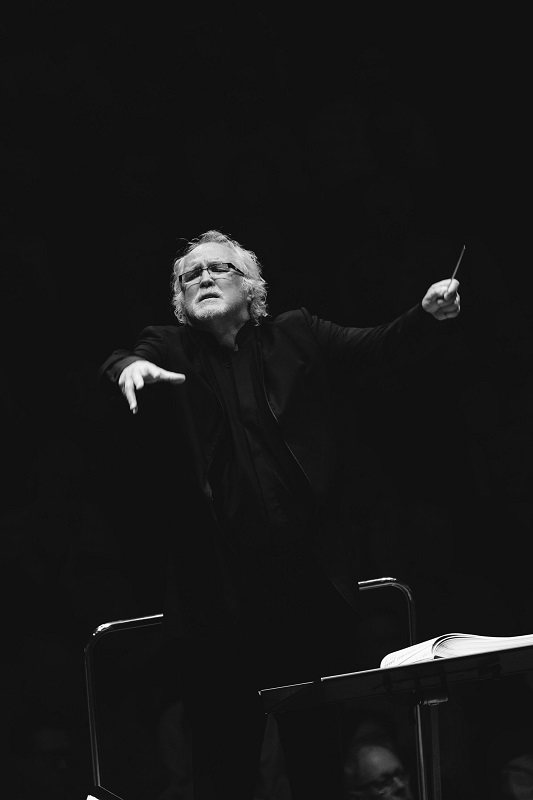 Donald Runnicles conducting Manon Lescaut