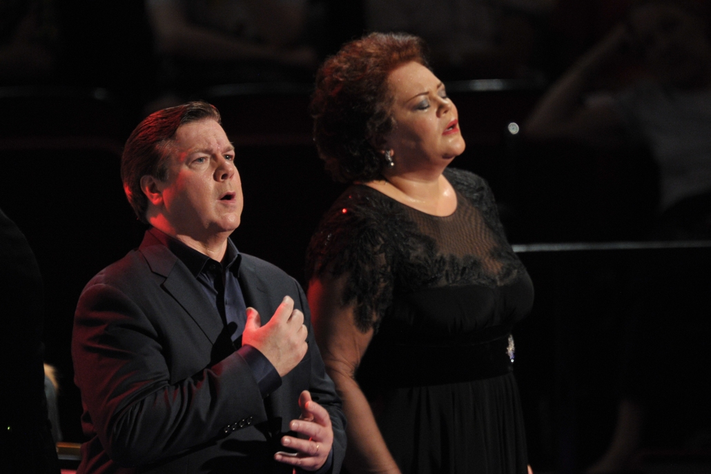 Robert Dean Smith and Violeta Urmana as Tristan and Isolde at the 2013 Proms