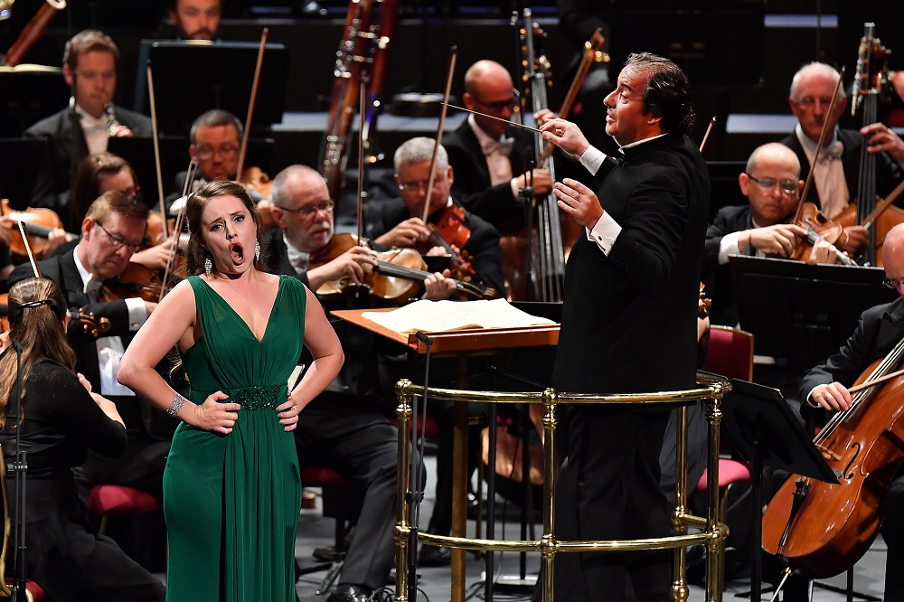 Louise Alder and Juanjo Mena in Proms Fidelio