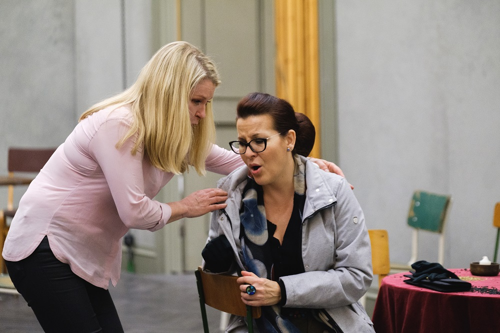 Patricia Bardon and Adrienn Miksch in rehearsals for Un ballo in maschera