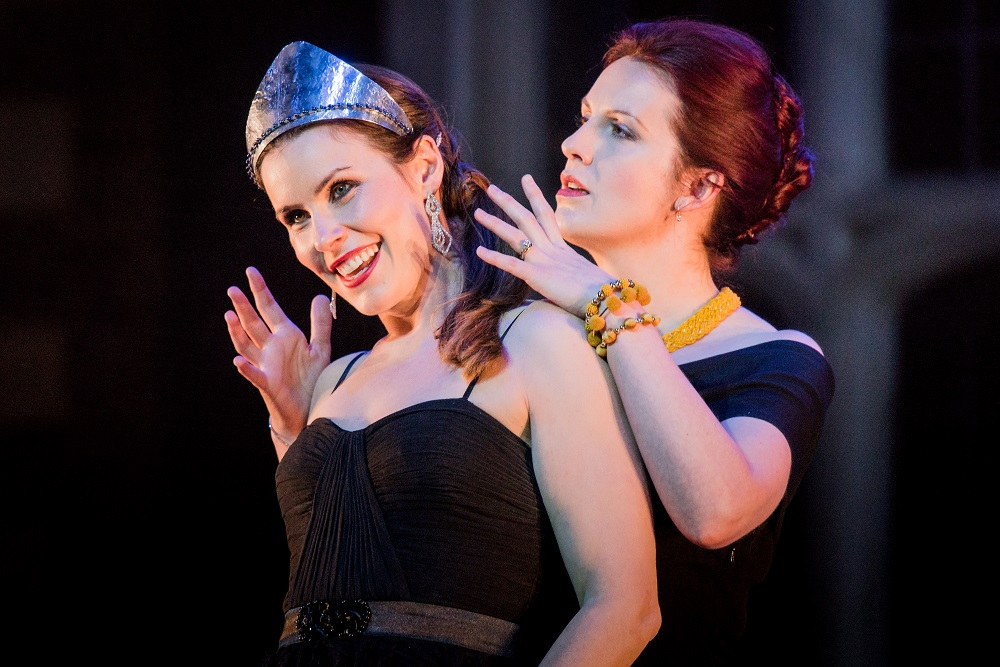 Kitty Whately and Anna Devin as Nero and Poppea