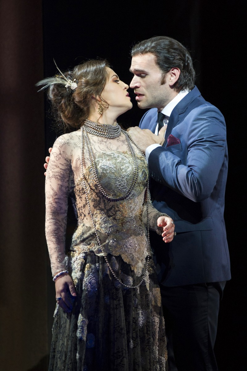 Michael Fabiano and Verda Gimadieva in Glyndebourne Traviata