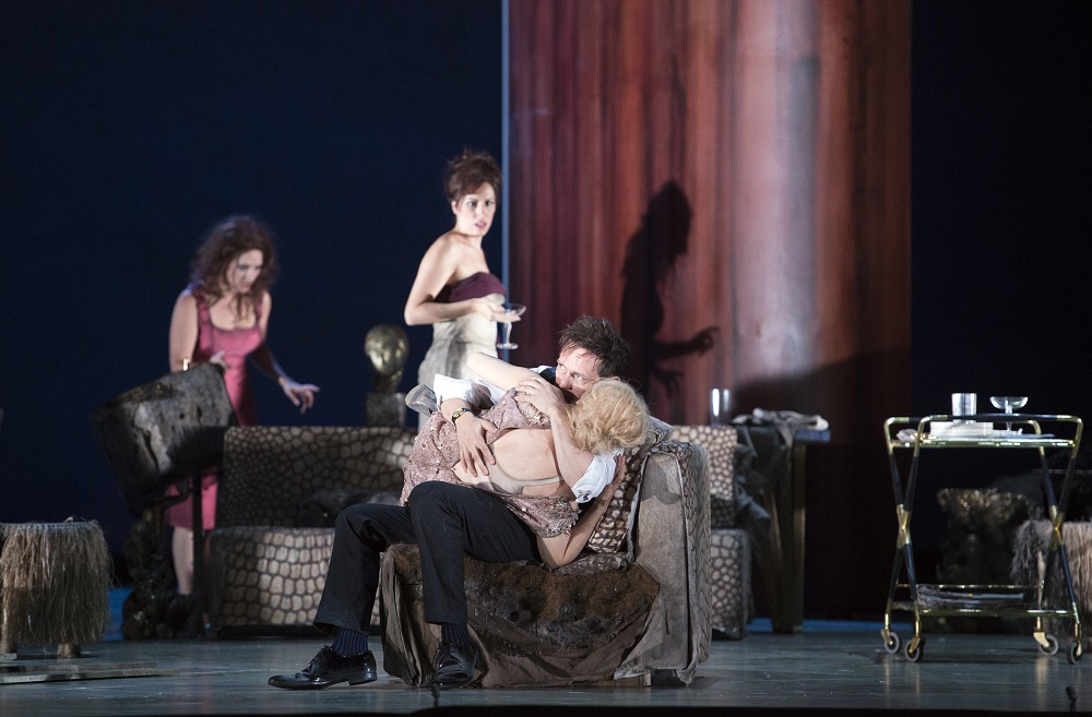 The Exterminating Angel - image 3