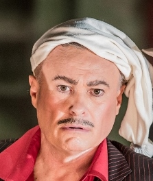 Quentin Hayes as Gianni Schicchi
