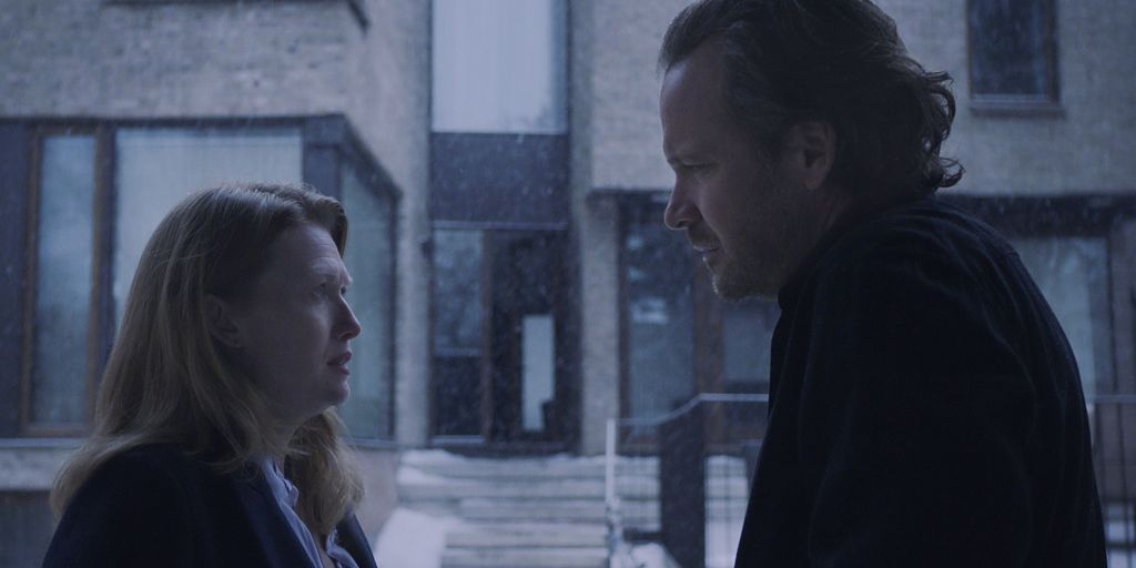 Mireille Enos and Peter Sarsgaard in 'The Lie'