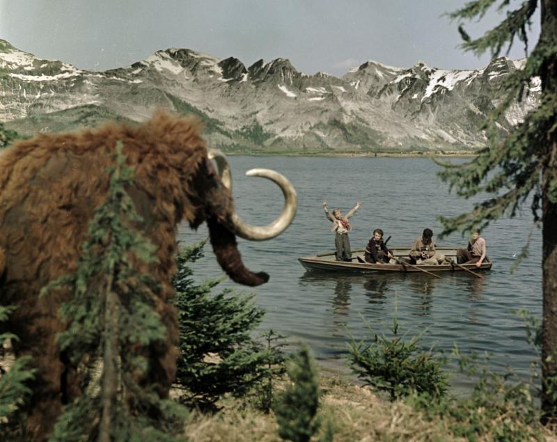 Mammoth.jpg?itok=F8ad0Vwz