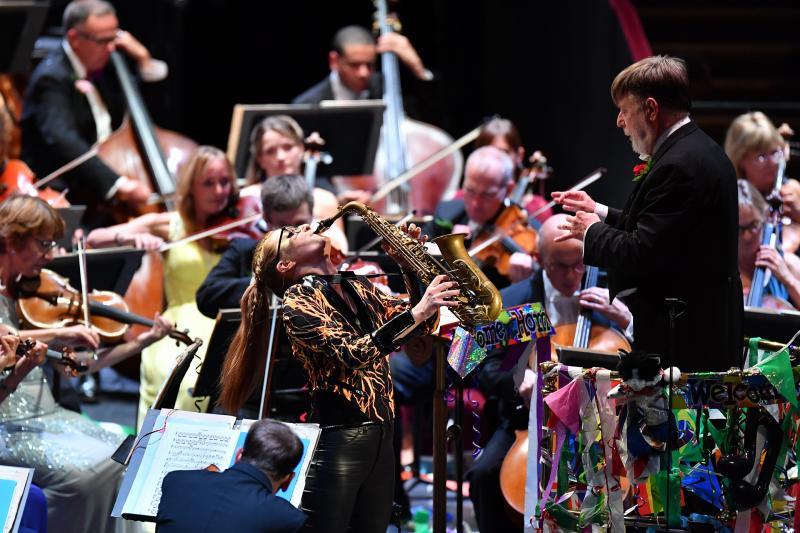 Last Night of the Proms, Finley, Gillam, BBCSO, Davis review - a