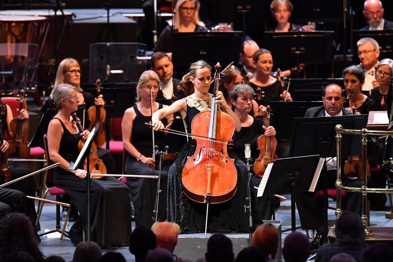 Prom 25: Gabetta, BBC SO, Stasevska review – stunning Weinberg debut