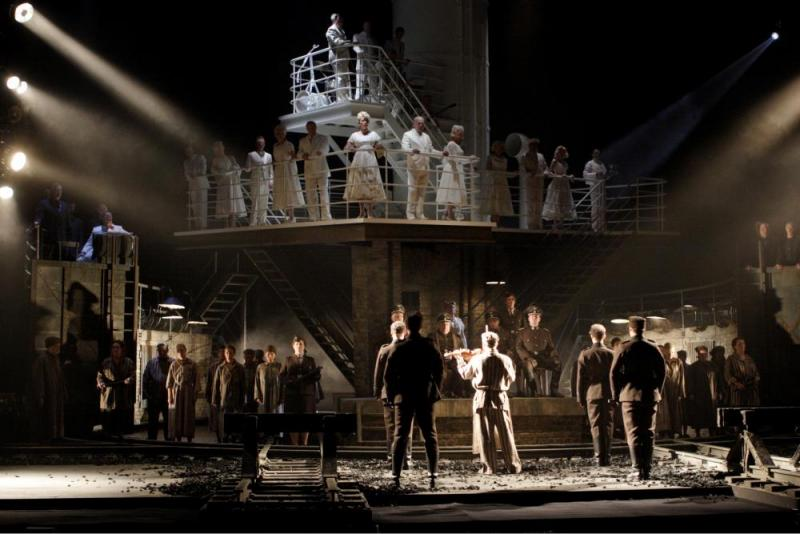 Premiar for forbjuden auschwitz opera