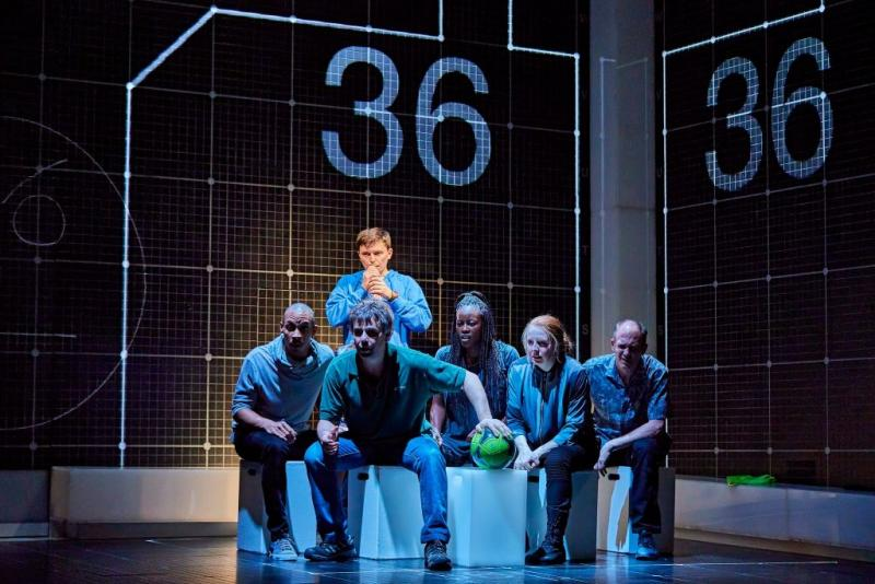 The Curious Incident of the Dog in the Night-Time, Piccadilly